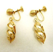 Sarah Coventry Earrings Screw Back Vintage Costume Fashion Pearl Swirl Gold - $29.37