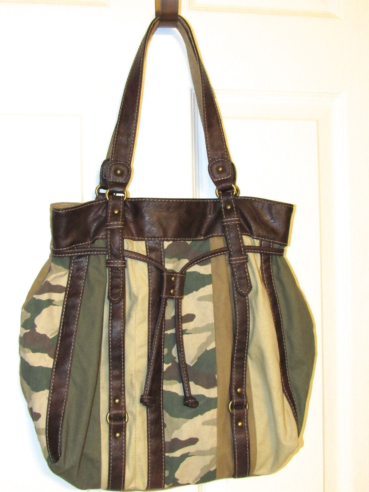 Chateau Camouflage and Faux Leather Military Hobo Bag - Multi-Color