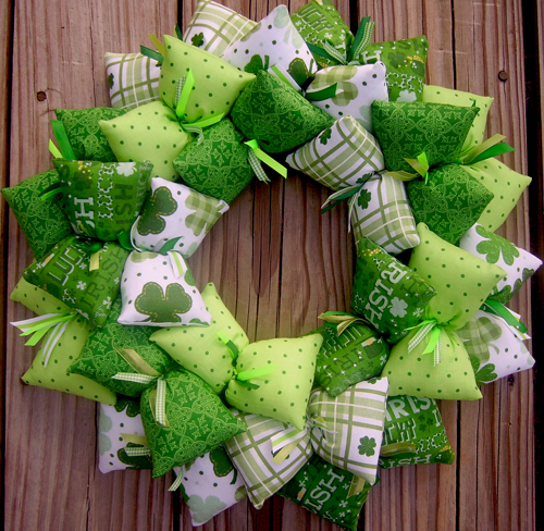 Lucky st patrick 39 s day handmade fabric wreath decor for Irish decorations for home