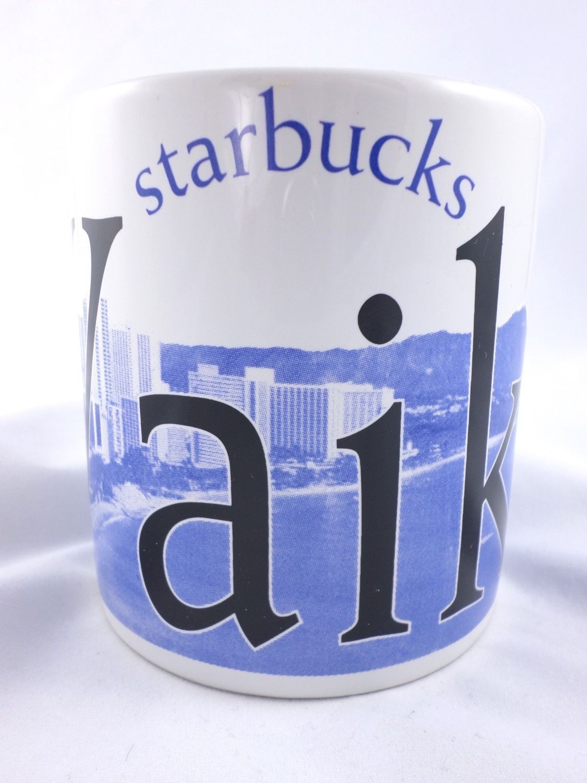 Starbucks 2007 Waikiki, Hawaii City Mug Cup Collectors Series 20 oz