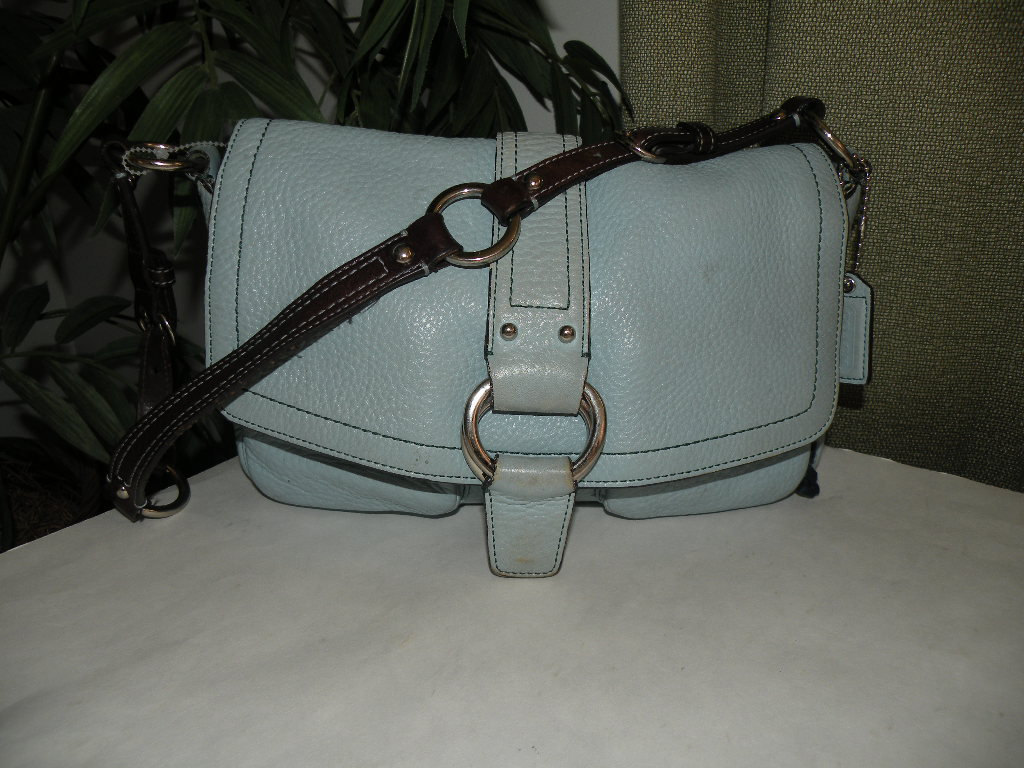 SOLD TO BRUSHSTROKESGALLERY.....COACH Shoulder Bag Purse 8A41 Aqua BLUE Thick He