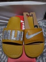 Nike Womens Benassi JDI Print QS Milan Sandals Sz 6 Citron/Silver 715870... - $74.25