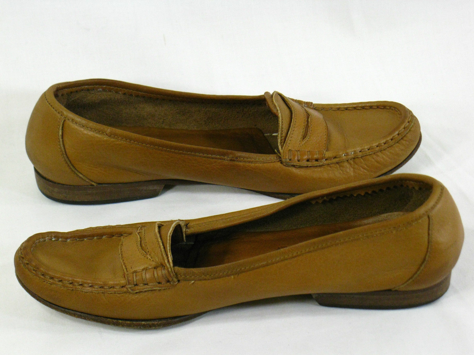 Bandolino Brown Leather Loafer Flats Size 6.5 M US Excellent Italy