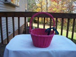 Hot Pink Basket with Handle and Blue Bow  Opening 10 x 7  ½ x 4 ½   hand... - $7.99