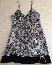 Gilligan & O'Malley Silky Nightgown Black & White Floral Pattern Size Small - $19.99