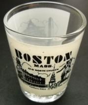 Boston Massachusetts Shot Glass White Wrap Around with Landmarks on Clea... - €6,20 EUR