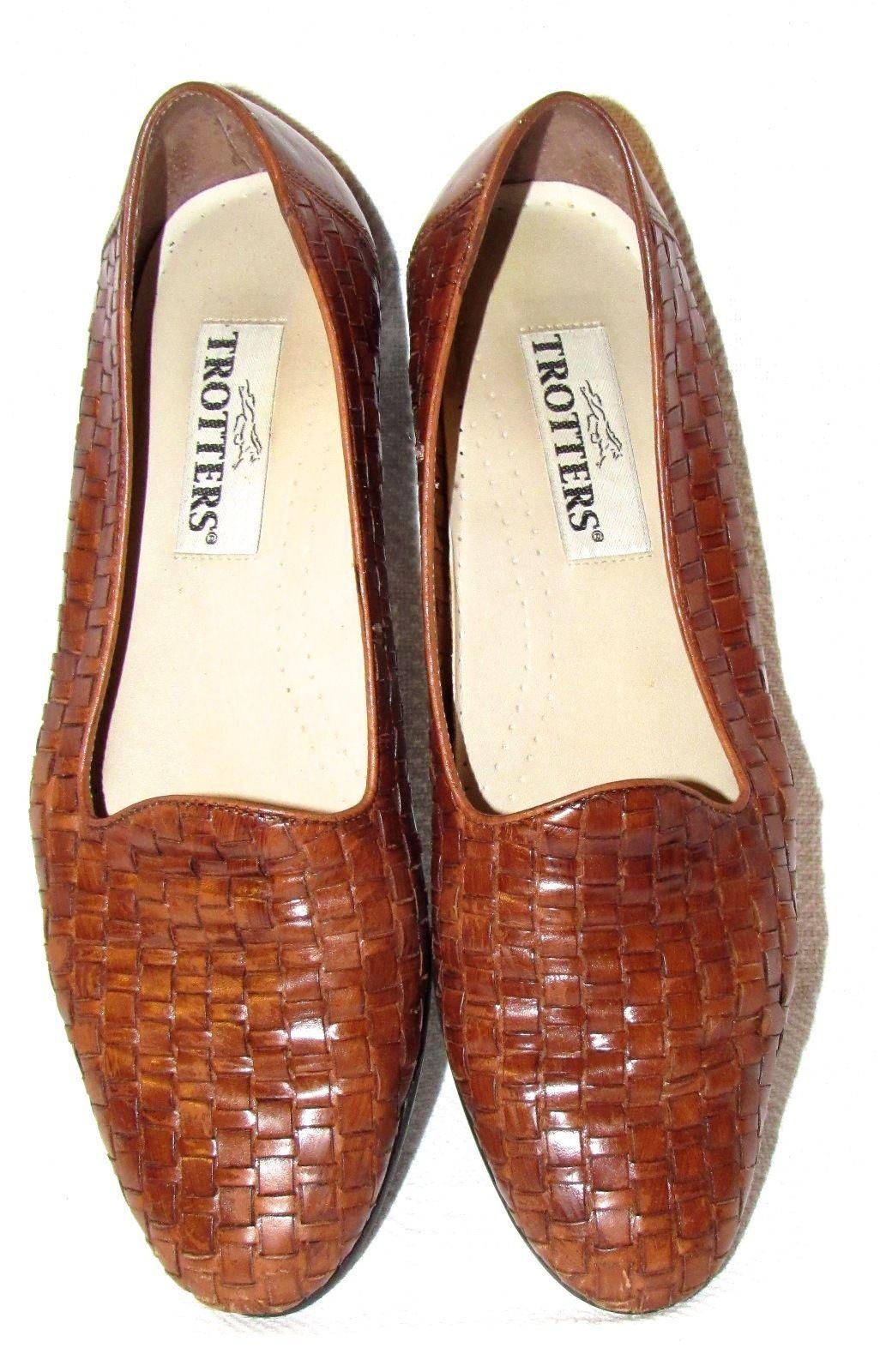 Trotters Women's Liz Flats Tan Size: 10 N Low