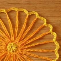 Orange yellow straw flowers  single lt orange petals closeup qtr sq 3406 710x 96 thumb200