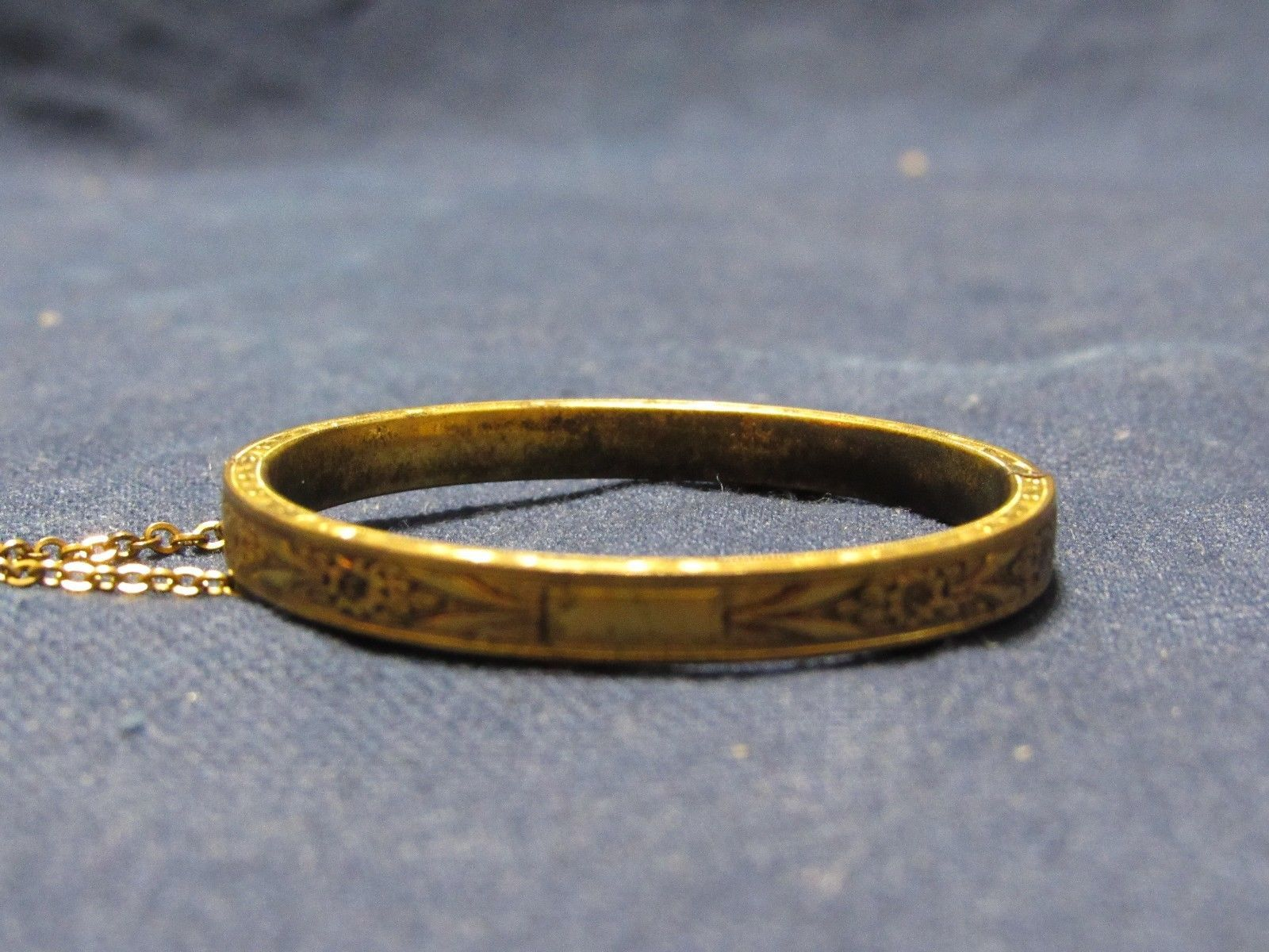 Victorian Hayward Embossed Etched Hinged Bracelet Chain Child Infant Toddler Sz