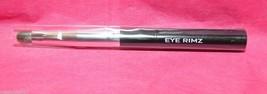 Laura Geller Eye Rimz baked wet dry accents brush applicator new in plastic - $7.99