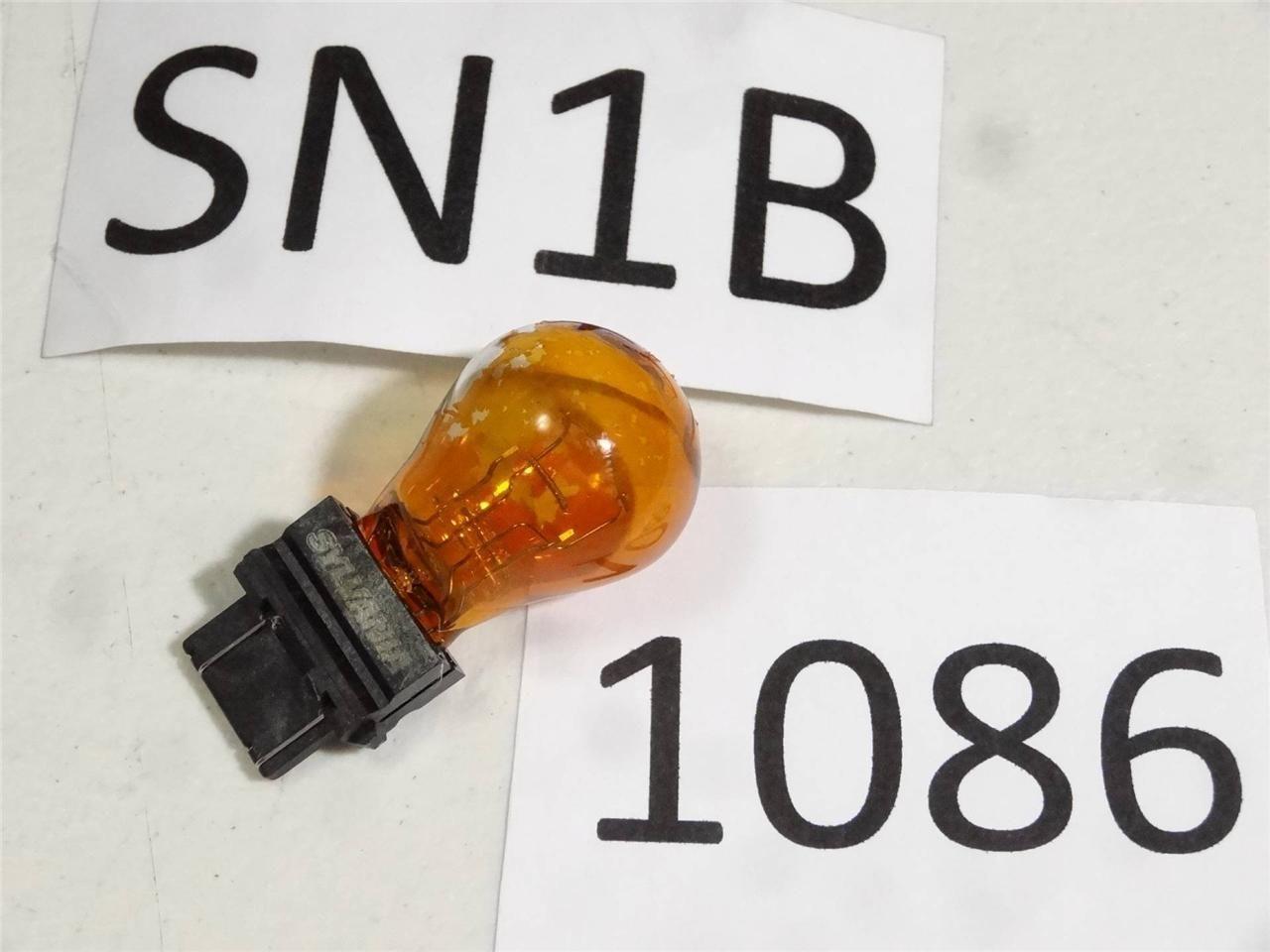 SYLVANIA 3157 12V TURN STOP TAIL LIGHT AMBER SN1B1086