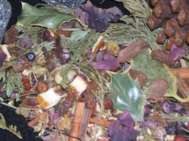 Yule Herbal Blend Potpourri Winter Solstice Sabbat Blessings Prosperity ... - $4.75
