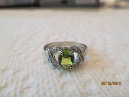 SMALL GREEN SAPPHIRE RING, SIZE 7, NEW - £7.41 GBP