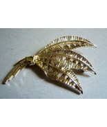 Vintage Exotic Leaf Brooch. Gold Tone Bouquet Pin - $12.00