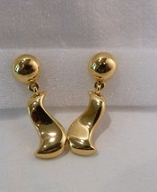 ANNE KLEIN Signed Goldtone Dangle Pierced Earrings Ball & Penguin Shaped - $9.98