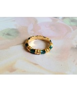 Vintage Avon Green and Gold Ring Size 5.5 - $3.00