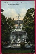 GRAND RAPIDS MICHIGAN Fulton St Park Fountain MI - $5.50