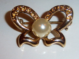 Small Faux Pearl Vintage Butterfly Pin. Summer Jewelry Pin. - $10.00