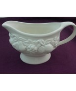 Large White Glazed Ceramic Gravy Boat w Fruits Motif Linens n Things 20 oz - $19.75