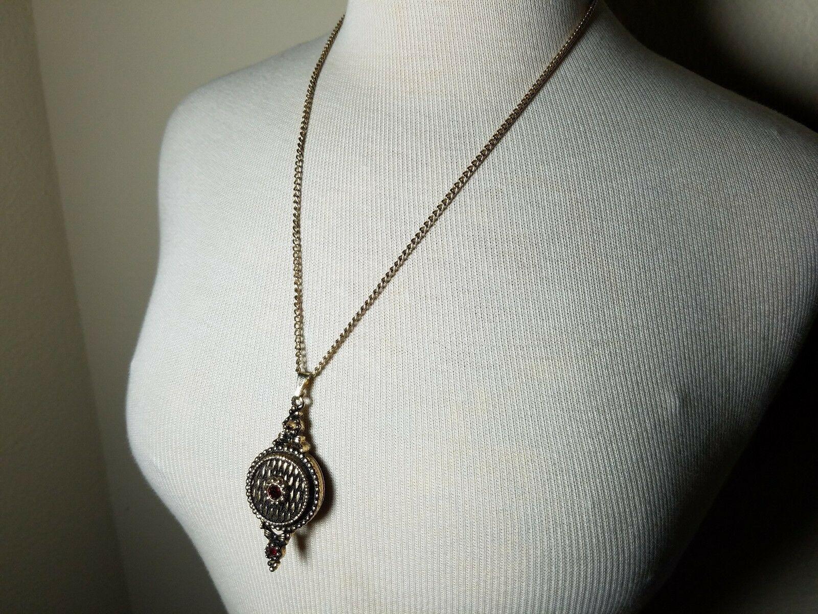 Vintage Fashion Gold Tone Locket Pendant Necklace & Matching Dangle Earrings