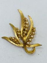 Vintage Goldtone Ribbon Faux Pearls Brooch Gold Tone 24277 - $7.56
