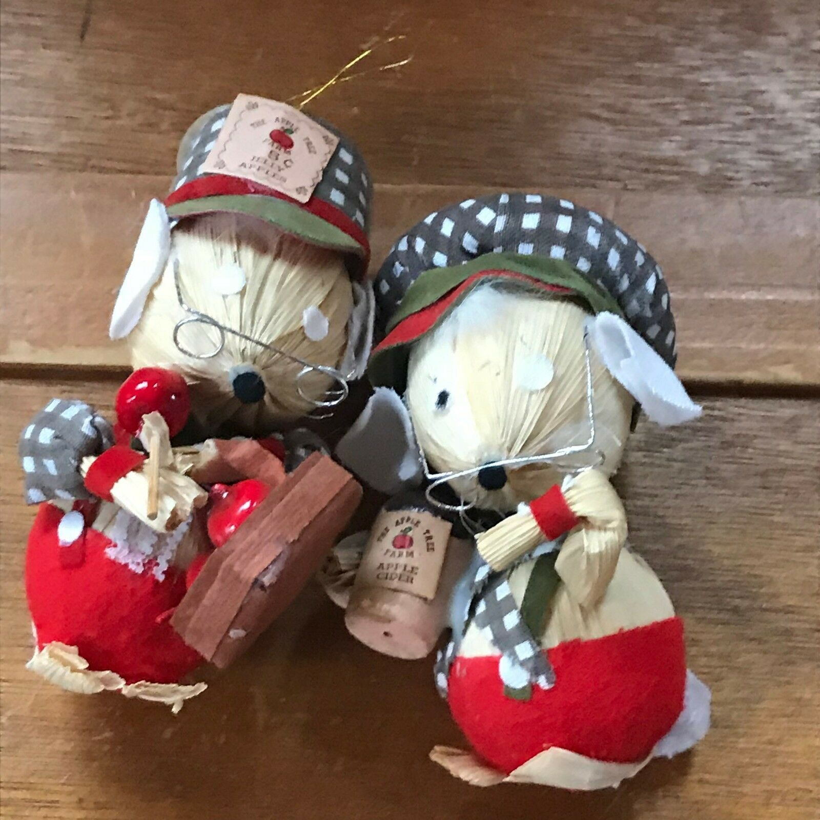 Vintage Kurt S. Adler Pair of Corn Husk Christmas Mouse Couple with Apple Cider
