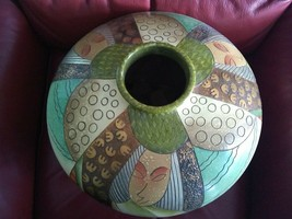 VASE HAND PAINTED VASE FROM MILAN ITALY 15X20IN NO CHIPS BEAUTIFUL CENTE... - $379.05