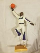 Milwaukee Bucks Starting Lineup Action Figure Vin Baker NBA Vintage 1997 90s  - $9.79