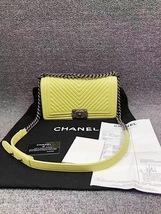 AUTHENTIC CHANEL BRIGHT YELLOW CHEVRON QUIILTED MEDIUM BOY FLAP BAG SHW