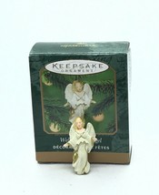 2000 Hallmark Keepsake Miniature Ornament WELCOMING ANGEL NIB - $9.49