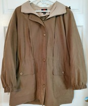 Gallery women's size M Tan hooded spring fall Anorak jacket coat - $28.94