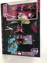 Monster High Exclusive Clawdeen Wolf and Draculaura Coffin Bean Play Set... - $38.68