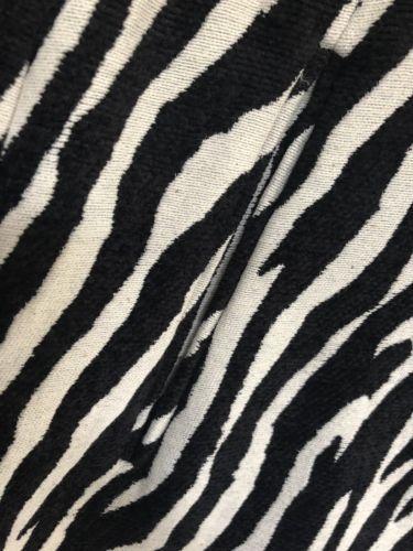 Boston Proper Size 8 Pencil Skirt Black White Zebra Print Lined Side Zip Pockets