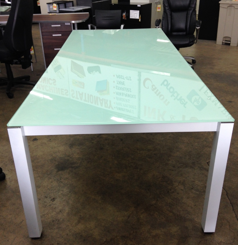 Genial ... Chiarezza 8u0027 Sling Conference Table, White Frost Glass Top U0026 Aluminum  ...