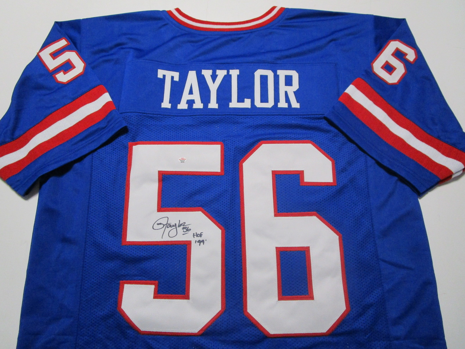 LAWRENCE TAYLOR / AUTOGRAPHED NEW YORK GIANTS CUSTOM FOOTBALL JERSEY / COA