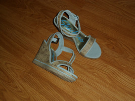 SKECHERS WEDGE HEELS SIZE 9 STRAPPY ANKLE STRAP SANDALS BLUE NWT - $26.99