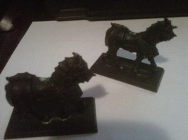 Salvaged Models Armored Horses (ASSEMBLED/PRIME... - $2.75