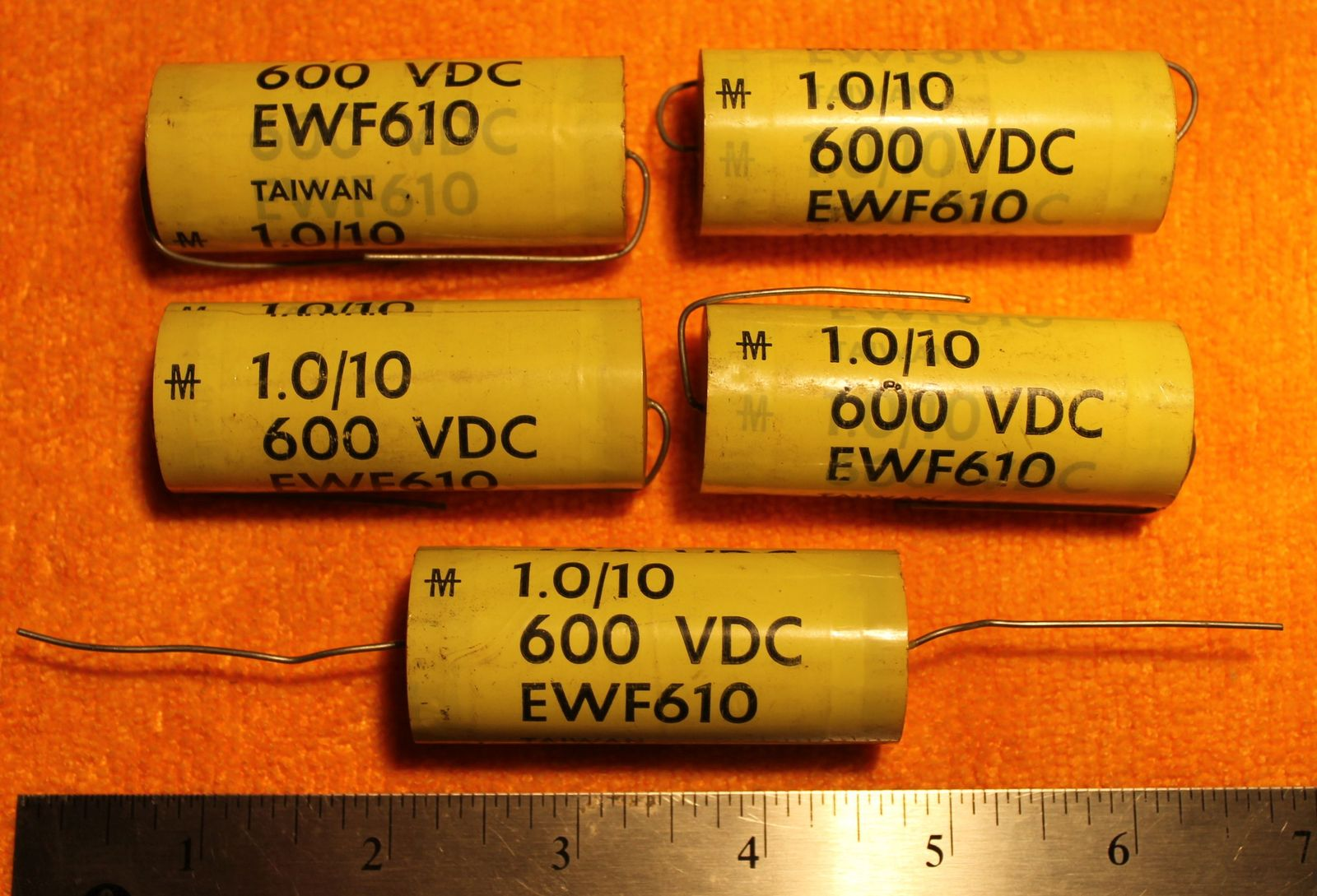 200-5438 Lot of 2 25V 470uF Radial KY 8x20mm United Chemi-Con