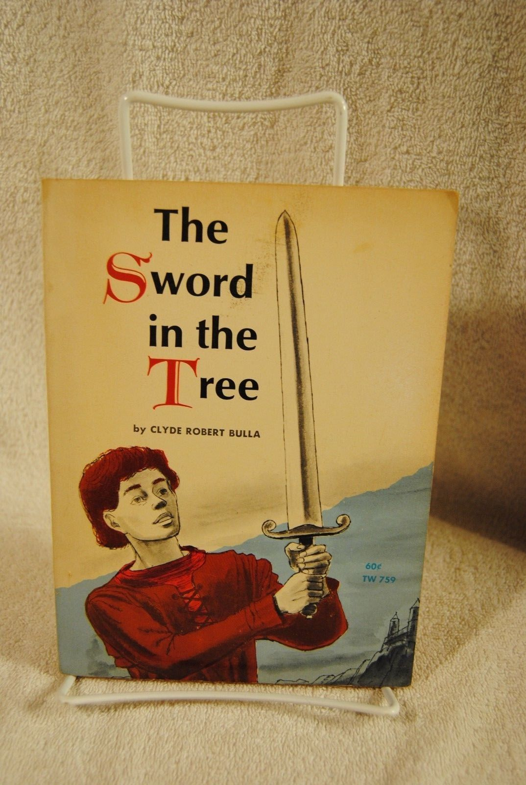 Rare The Sword In The Tree Clyde Robert Bulla 1968 Scholastic Book 3rd printing