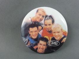 N Sync Pin - Featuring the entire Band - So Happy and Smiling !!!  - $12.00