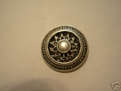 DESIGNER COAT BUTTON  ASILVER METAL SH 36/[7/8