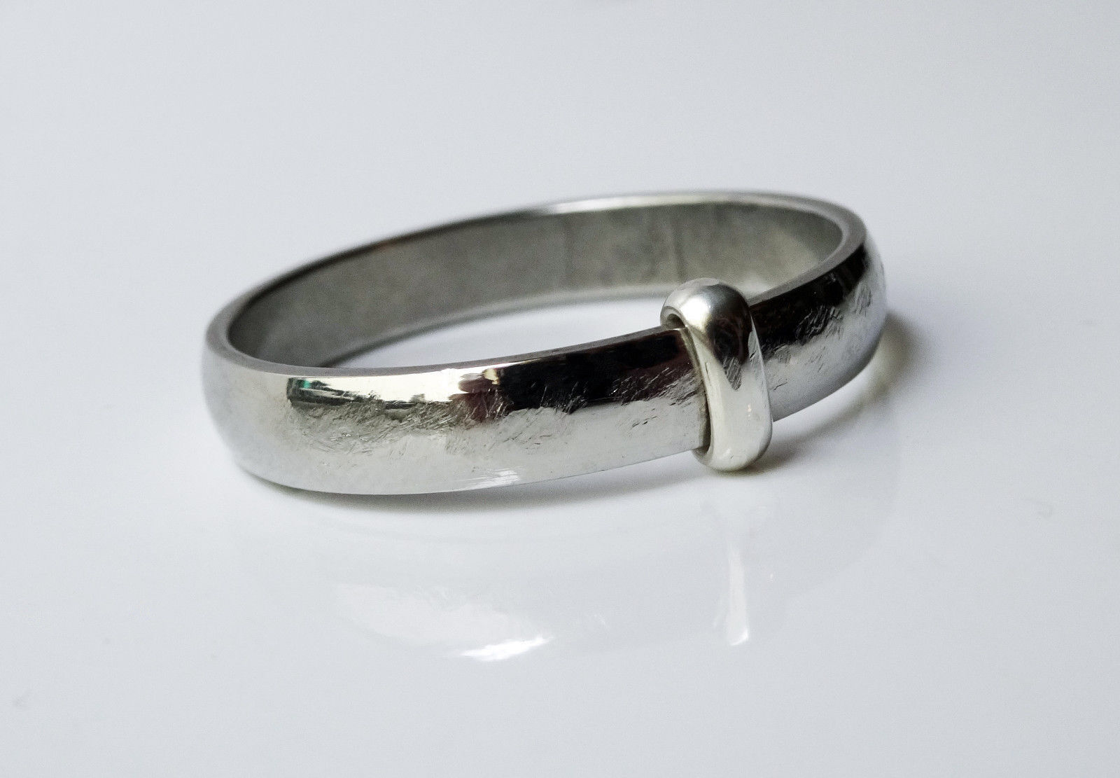 outlander jewelry claire 39 s wedding band stainless. Black Bedroom Furniture Sets. Home Design Ideas