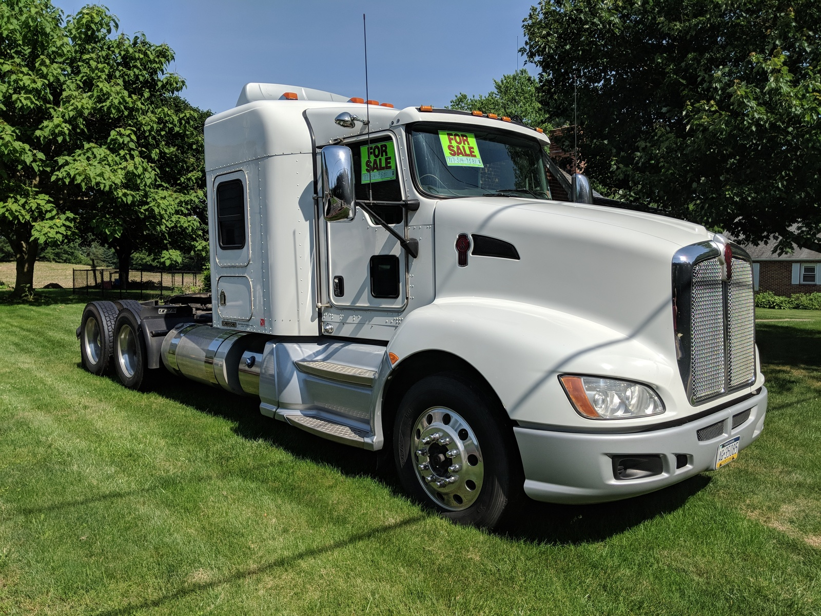 2011 KENWORTH T660 For Sale In Boiling Springs, PA 17007