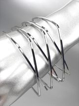 UNIQUE Silver Metal Square CrissCrossed Ribbed Bangle Bracelet - $13.29