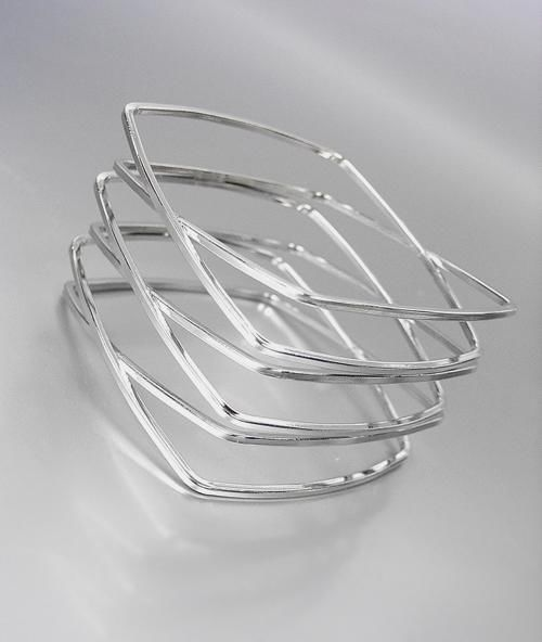 UNIQUE Silver Metal Square CrissCrossed Ribbed Bangle Bracelet