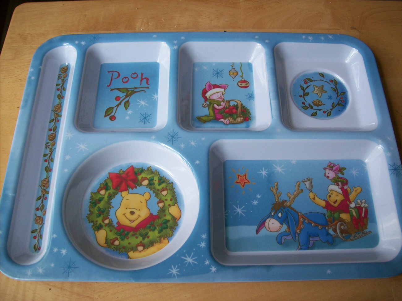 Primary image for Disney Winnie the Pooh and Friends Melamine Children's Christmas Tray