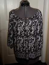 NOTATIONS BLOUSE TOP SIZE PM STRETCH BLACK  WHITE NWT - $16.98