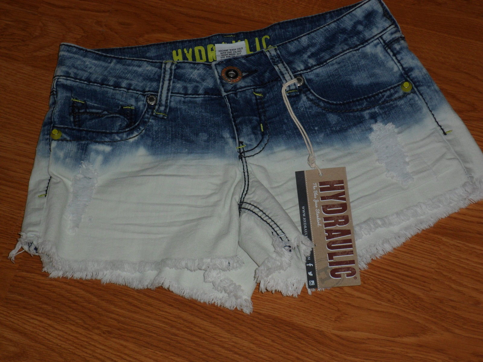 74d95f5647f Hydraulic Mini Jean Shorts Size 3 4 Acid and 50 similar items