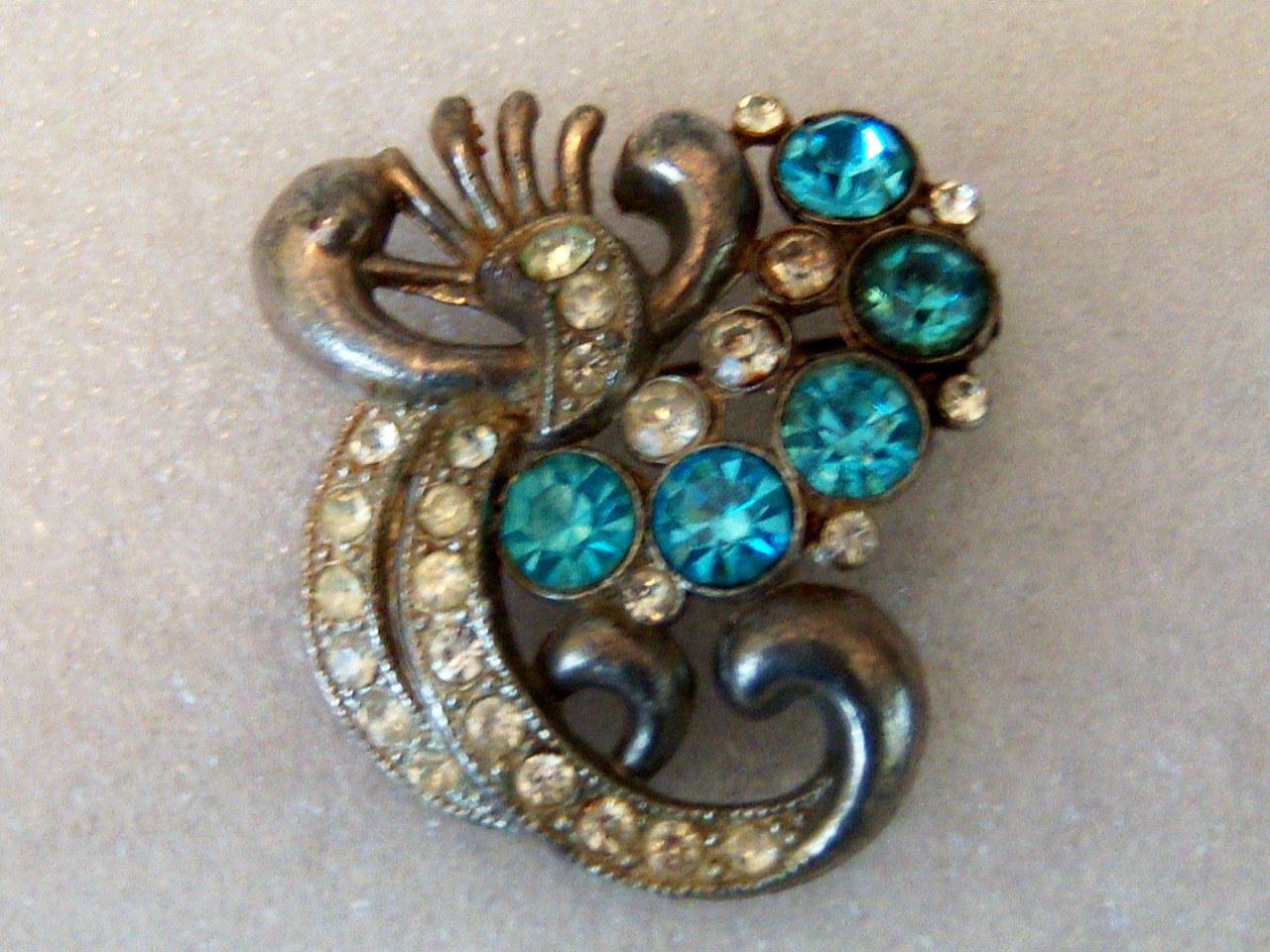 Vintage Abstract Bird Pin Brooch. Exotic Bird Brooch In Pot Metal.