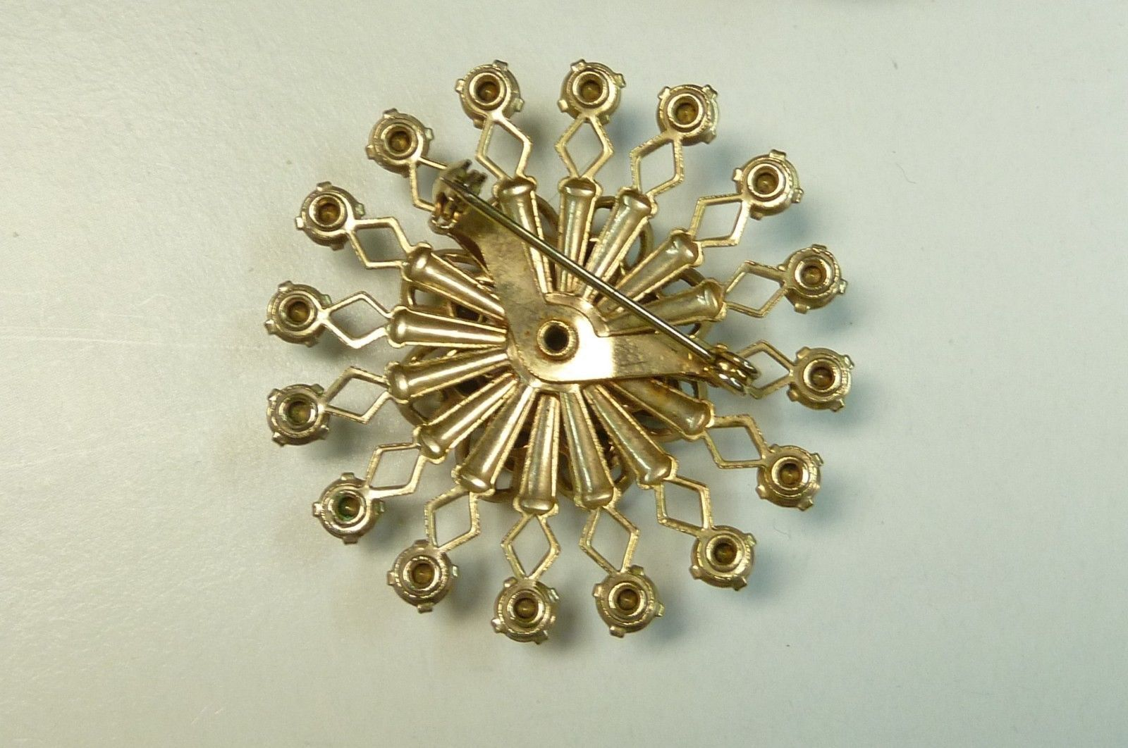 Vintage Blue Rhinestone Round Gold Plated Costume Fashion Pin Brooch